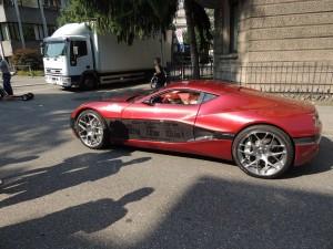 Das damals teuerste Elektroauto der Welt, ein Concept One der Firma Rimac, nahm an dem Weltrekord-Versuch in Zürich am 6. Juli 2013 teil
